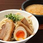 らーめんMOUKOKU - 料理写真: