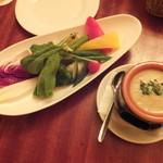 カスピタ!東京 - 彩り野菜の盛り合わせ バーニャカウダーソース