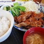 山奈食堂 - 肉生姜焼き定食 ¥800