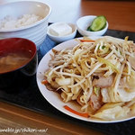 山奈食堂 - 野菜炒め定食 ¥850
