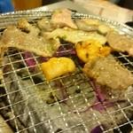 七輪焼肉 安安 - 焼き台