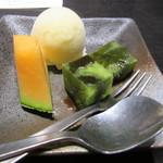 松永牧場 - おまかせ焼肉セットに付くデザート 夕張メロン・柚子シャーベット・抹茶ゼリー?
