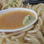 節道 - スープに溶かし込んで飲むと、魚と豚のウマウマコクコクスープにスッキリ感が加わります。