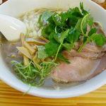 中華そば よしかわ - 煮干しそば濃い目 730円