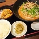 40830704 - 2015.8.12週替り定食:冷やし担々麺、揚げ餃子、ごはん、ザーサイ