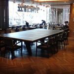 40835529 - 卓球台並に大きなテーブル