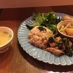 オーガニックキッチン&ワインバー レコッコレ - ランチの日替わり定食