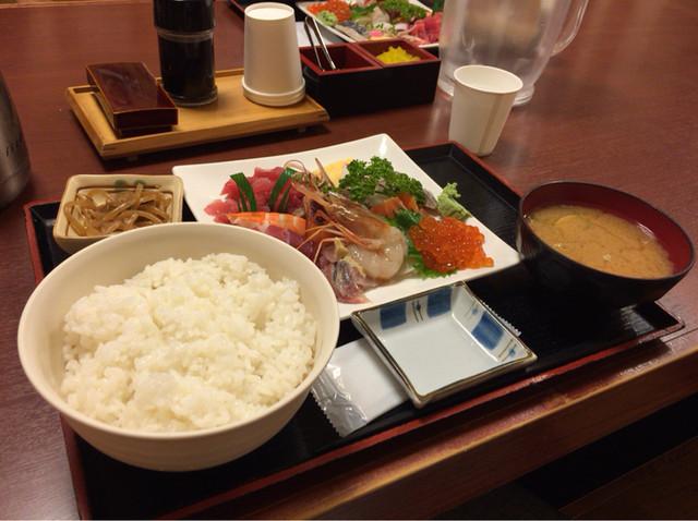 さいとう - 【海鮮丼 具の大盛り】(1050税込)