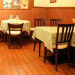 リトル アジア - テーブル席