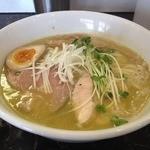 えびす丸 - 魚介×鶏白湯ラーメン(800円)