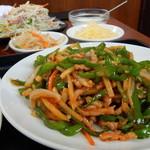 台湾料理 福満樓 - チンジャオロースー