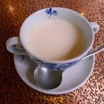 アデリータ - ハンバーグライスセット(ランチ)付属のスープ