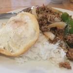 40848946 - 牛肉のバジル炒めご飯、ランチセット980円
