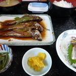 佐島かねき - むつ煮定食1400円 お盆を回転せずに撮ったので・・見づらくてすみません。