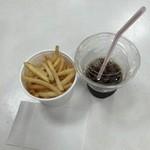 一口茶屋 - 料理写真:ドリンクセット、350円です。