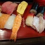 魚旬 - ランチにぎり(1000円)・・にぎり13貫、貝汁付。シャリはご無理を言って小さ目にして頂いています。