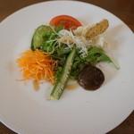 40851080 - お昼のコースの前菜(サラダ)