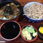 手打そばはぐい - 料理写真:牛丼、そばセット840円