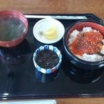 いかやき 福寿草 - イクラ丼。。。1000円。。。