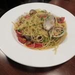 カフェ ブル - 白ハマグリのスパゲッティ ボンゴレ・ビアンコ2