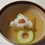 新井旅館 - 御椀:鱸くず打ち 小メロン 早松茸 焼梅