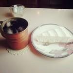40861922 - ケーキセット(チーズケーキとアイスコーヒー)