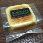 龍野西サービスエリア上り線ショッピングコーナー - 料理写真:黒豆デニッシュキューブ 280円