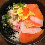 のっけ家 - 北海丼