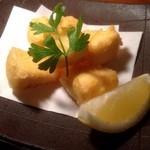 小割烹 おはし - カマンベールチーズの天ぷら