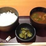 四季酒菜 風土 - ご飯、赤だし、香の物