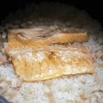 割烹 喜作 - 鮭ハラスご飯
