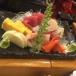 鉄の寿司 - 料理写真:お刺身盛りです。3,000円位。