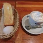 コメダ珈琲店 - ウインナーコーヒー450円