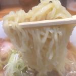 喜多方ラーメン 坂内 - 細麺リフト!