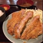 寅 - チキンカツ定食¥800