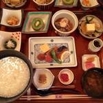 芝桜 - 朝食御膳