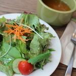 40879136 - ランチのサラダ&スープ