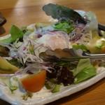 鳥料理専門店 瀬戸鳥 - サラダはちょいと寂しくないかい?