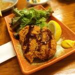 亀松 - メンチカツ380円