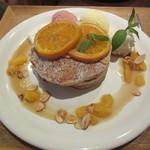 ナゴミナチュルア - 爽やかオレンジとふわふわチーズケーキクリームのパンケーキ 1512円
