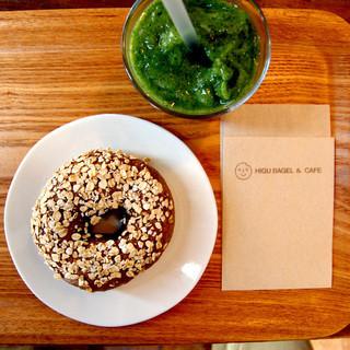 ヒグベーグル&カフェ - 料理写真:マルチグレインベーグル&ベジスムージー