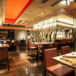 sumile TOKYO - 優雅にお食事頂けるダイニングスペース