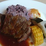 40889052 - 特製シャリアピンソースが合う!牛ロース肉と野菜のグリル