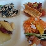 40889080 - サラダ4種(ツナ玉葱オリーブ、サーモン塩昆布水菜、メキシコ風、キャロットラペ)、マリネ(瓜、豆たっぷりギリシャ野菜)
