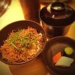 松阪牛網焼きおくやま - ジャコ山椒ご飯、味噌汁、お漬け物   やばい…