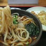 地蔵山 - 肉うどん 麺リフトアップ
