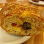 パン樹 久遠 - 大葉とトマトのフランスパン
