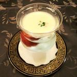 レストラン アラスカ - 【2】冷製スープ(Aコース8000円+税サ) 2015.6月