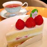 サー・トーマス・リプトン - 苺のショートケーキとアールグレイティー