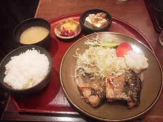 孫兵衛 - 焼魚定食 (塩サバ)
